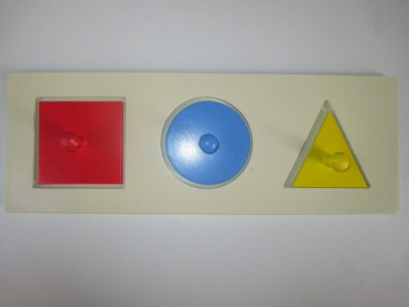 encaixe-formas-geometricas-montessori